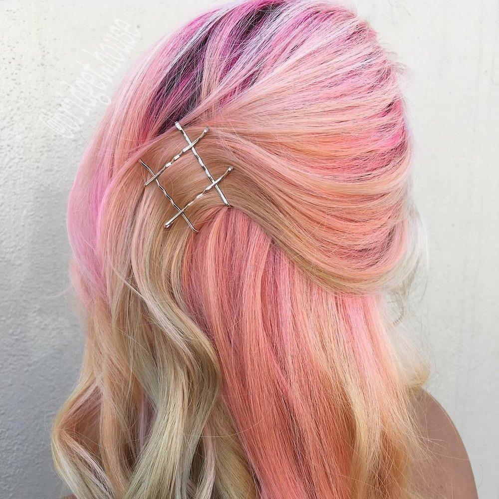 how-to-style-hair-accessories-bobby-pin-hairstyles-ways-to-wear-bobbypinhairart-instagram-brittanyrobinsonhairdesign.jpg