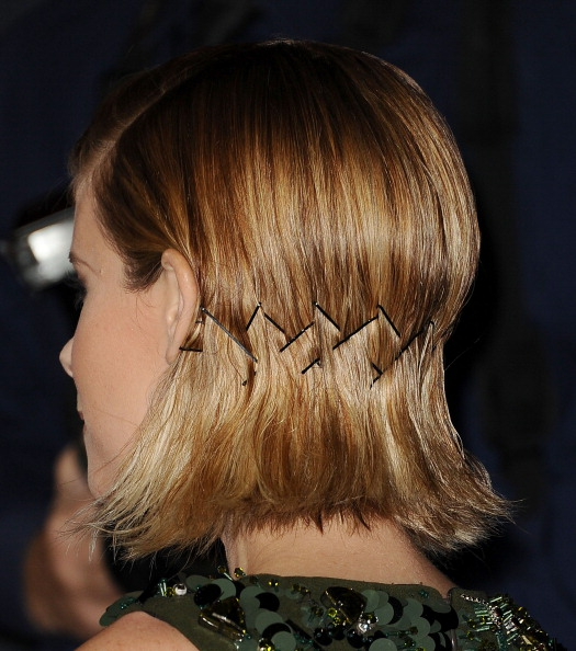 how-to-style-hair-accessories-bobby-pin-hairstyles-ways-to-wear-kate-mara-bob.jpg