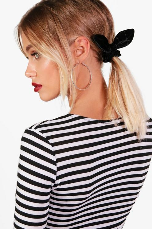 how-to-style-hair-accessories-scrunchies-hairstyles-ways-to-wear-ponytail-black-blonde-ears.jpg