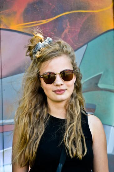 how-to-style-hair-accessories-scrunchies-hairstyles-ways-to-wear-ponytail-messy-halfup-blonde.jpg