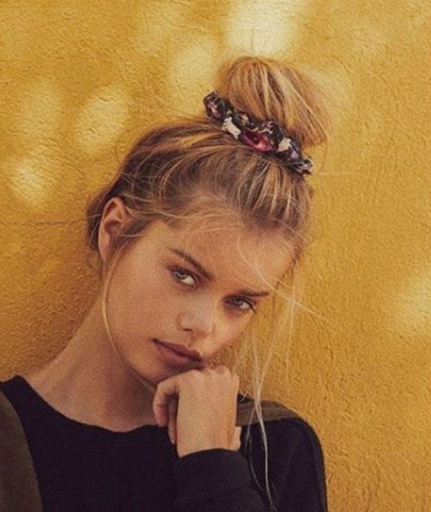 how-to-style-hair-accessories-scrunchies-hairstyles-ways-to-wear-ponytail-bun-printed.jpg