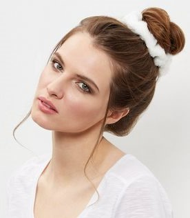 how-to-style-hair-accessories-scrunchies-hairstyles-ways-to-wear-ponytail-white-fur.jpg