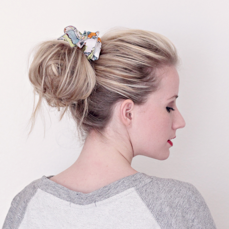 how-to-style-hair-accessories-scarf-scarves-bandana-silk-messybun.jpg