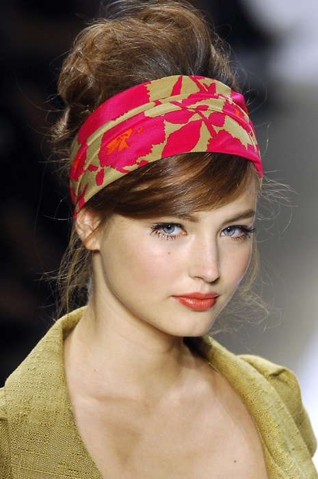 how-to-style-hair-accessories-scarf-scarves-bandana-silk-pink-printed.jpg