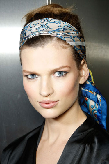 how-to-style-hair-accessories-scarf-scarves-bandana-silk-tied-headband-print-blue-messy.jpg
