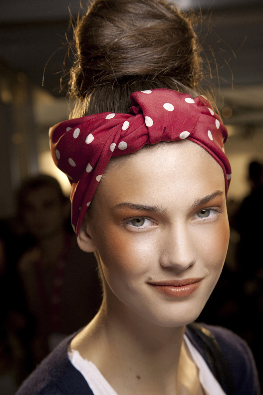 how-to-style-hair-accessories-scarf-scarves-bandana-silk-moschino-red-polkadots-messy-bun.jpg