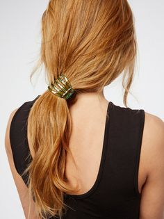 how-to-style-hair-accessories-claw-clips-butterfly-banana-mini-low-easy-pony.jpg