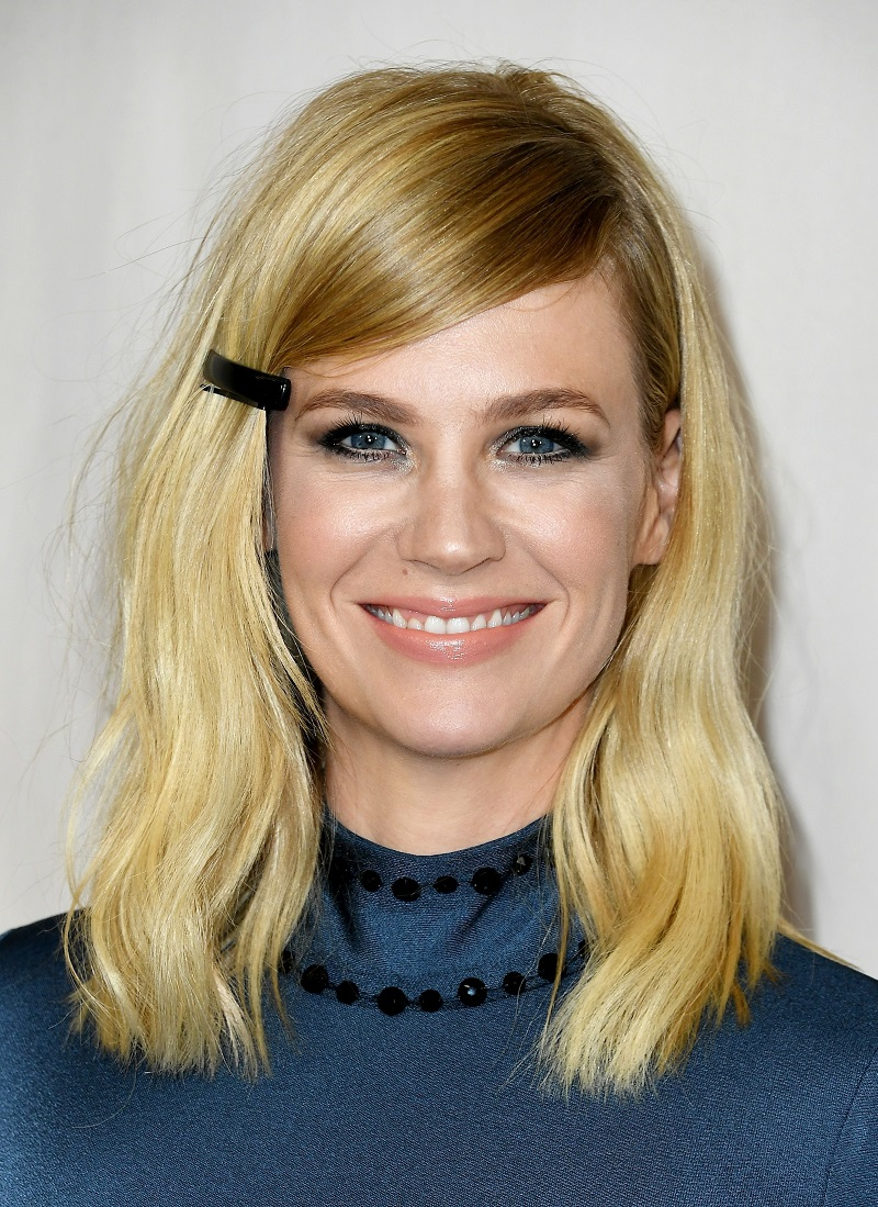 one-side-how-to-style-hair-accessories-clip-barrettes-blonde-eyelevel-black-lob.jpg