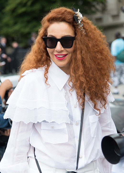 one-side-how-to-style-hair-accessories-clip-barrettes-brooch-jewel-curly.jpg