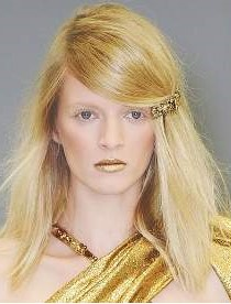 one-side-how-to-style-hair-accessories-clip-barrettes-fall-winter-gold-blonde-deepsidepart.jpg