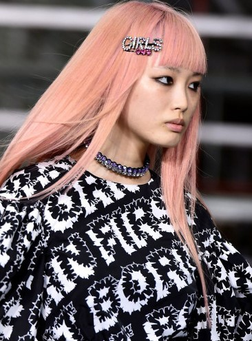 one-side-how-to-style-hair-accessories-clip-barrettes-girls-pinkhair-dyed-bangs.jpg
