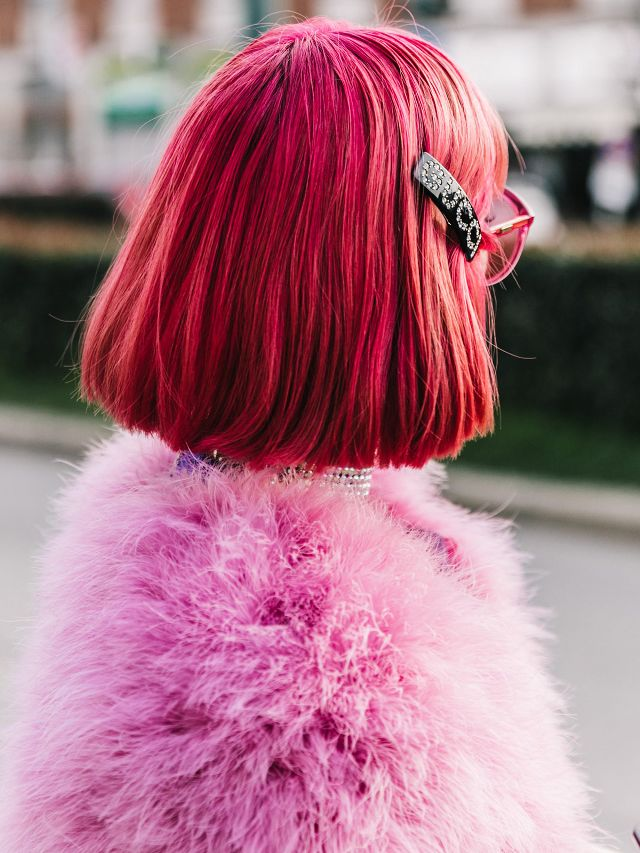 one-side-how-to-style-hair-accessories-clip-barrettes-redhair-dyed-pink.jpg