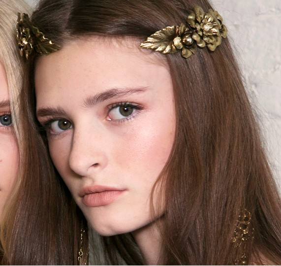 both-side-how-to-style-hair-accessories-clip-barrettes-gold-decorative.jpg