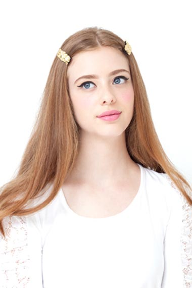 both-side-how-to-style-hair-accessories-clip-barrettes-longhair-middlepart.jpg