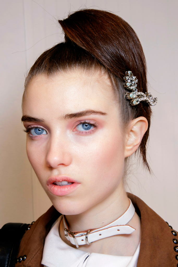 ponytails-how-to-style-hair-accessories-clip-barrettes-fall-prada.jpg