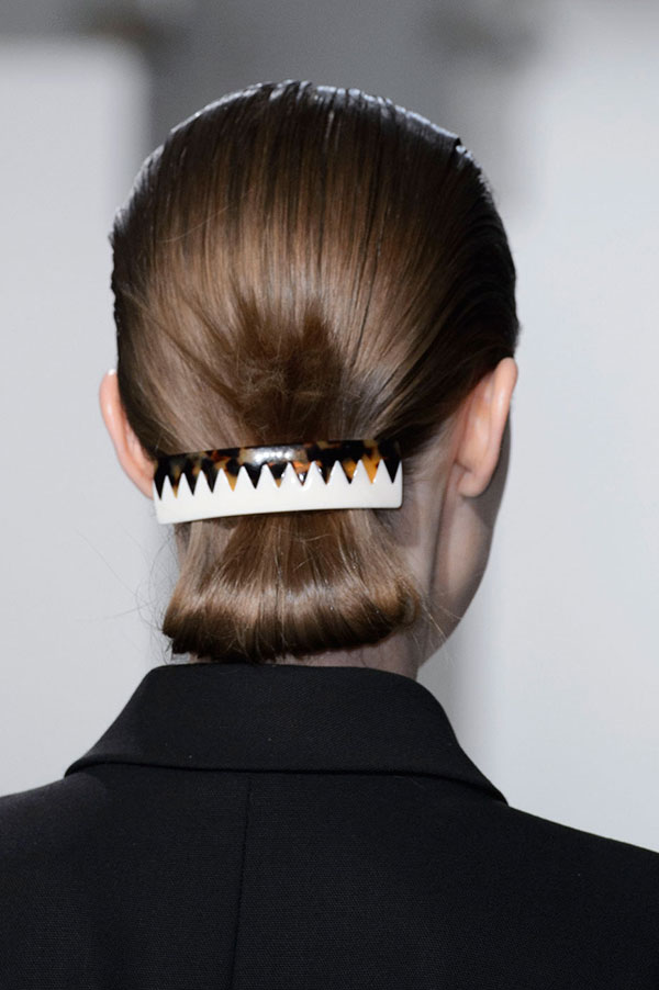 ponytails-how-to-style-hair-accessories-clip-barrettes-fall-winter-runway.jpg