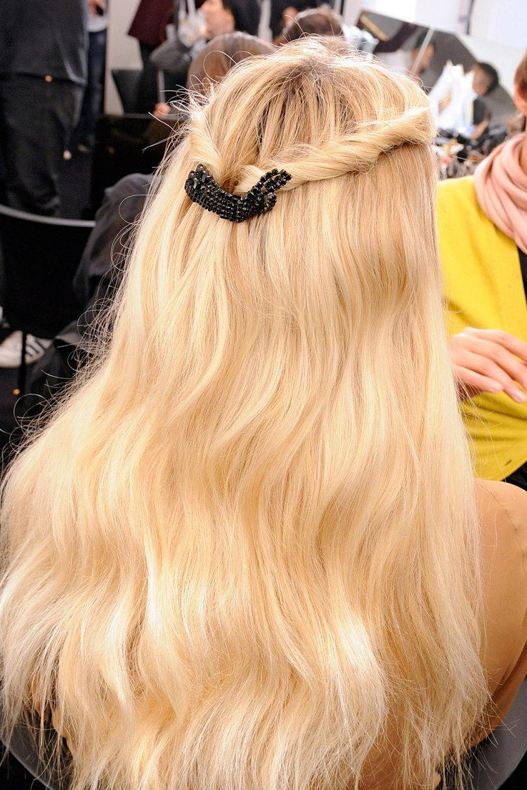 twist-sides-how-to-style-hair-accessories-clip-barrettes-both-back-blonde.jpg