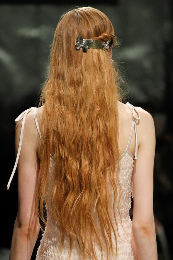 twist-sides-how-to-style-hair-accessories-clip-barrettes-red-hair-long-runway-spring-summer.jpg