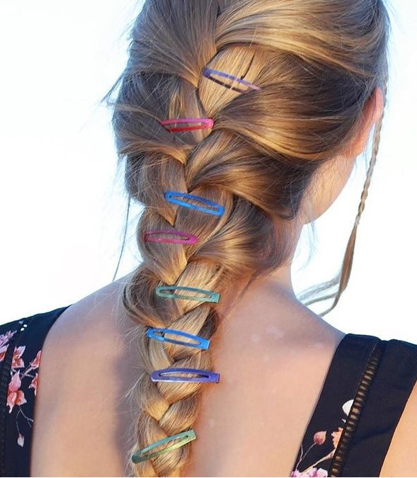 braids-how-to-style-hair-accessories-clip-barrettes-wear-90s-snap-clips-trend.jpg