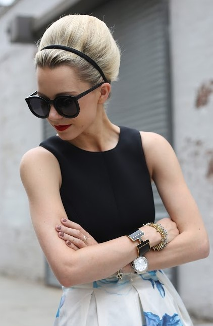 skinny-how-to-style-hair-accessories-headbands-hairstyles-ways-to-wear-simple-blonde-updo.jpg