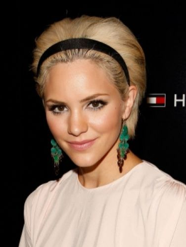 skinny-how-to-style-hair-accessories-headbands-hairstyles-ways-to-wear-thin-katharinemcphee-straight-bob-short-earrings.jpg