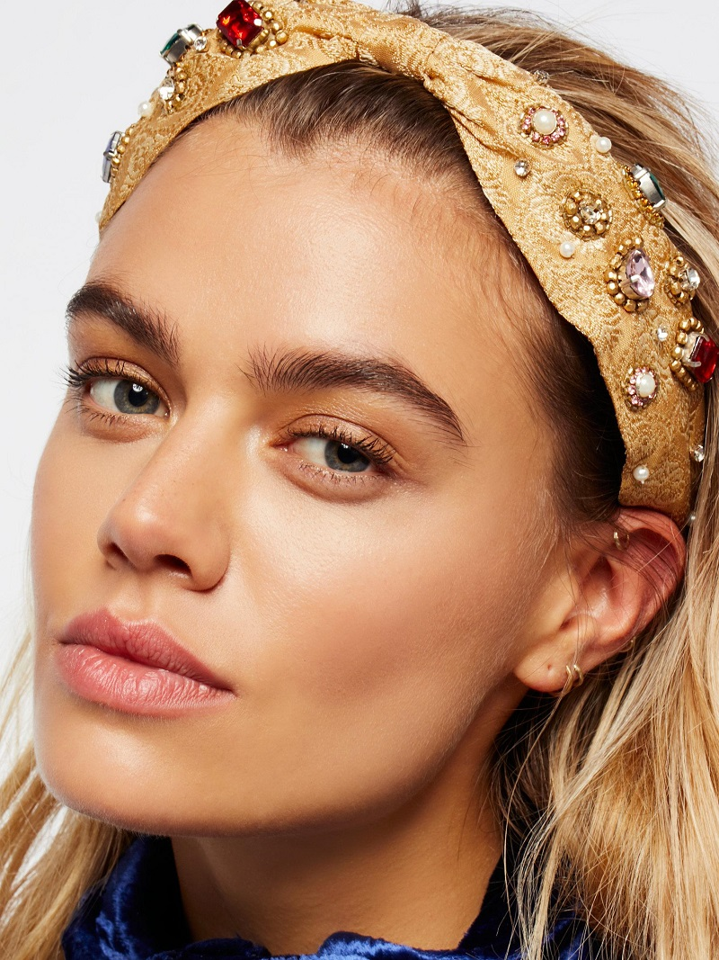 medium-how-to-style-hair-accessories-headbands-hairstyles-ways-to-wear-freepeople-embellished-gold-blonde.jpeg