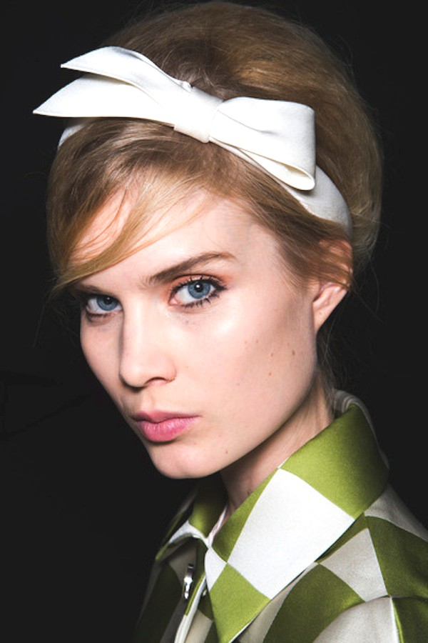 medium-how-to-style-hair-accessories-headbands-hairstyles-ways-to-wear-retro-vintage-white-bow-green-updo-bangs.jpg