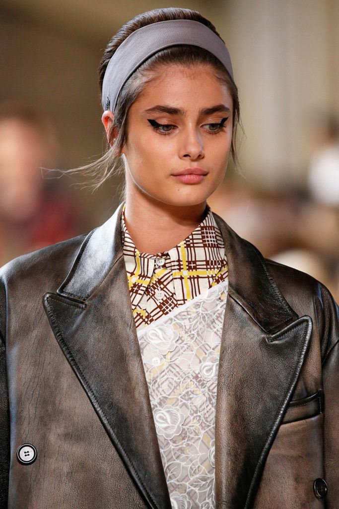 wide-how-to-style-hair-accessories-headbands-hairstyles-ways-to-wear-oversized-taylorhill-updo.jpg