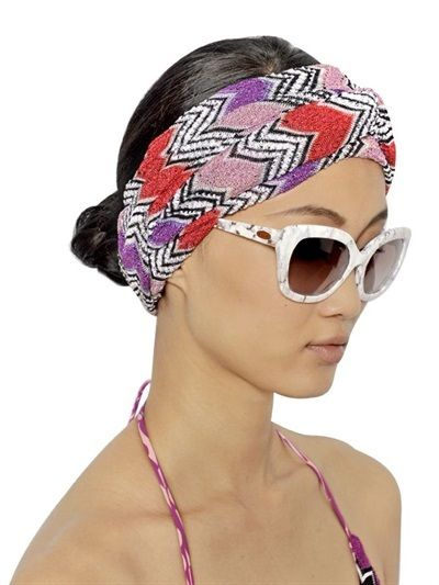 wide-how-to-style-hair-accessories-headbands-hairstyles-ways-to-wear-printed-bun-beach-spring-summer.jpg