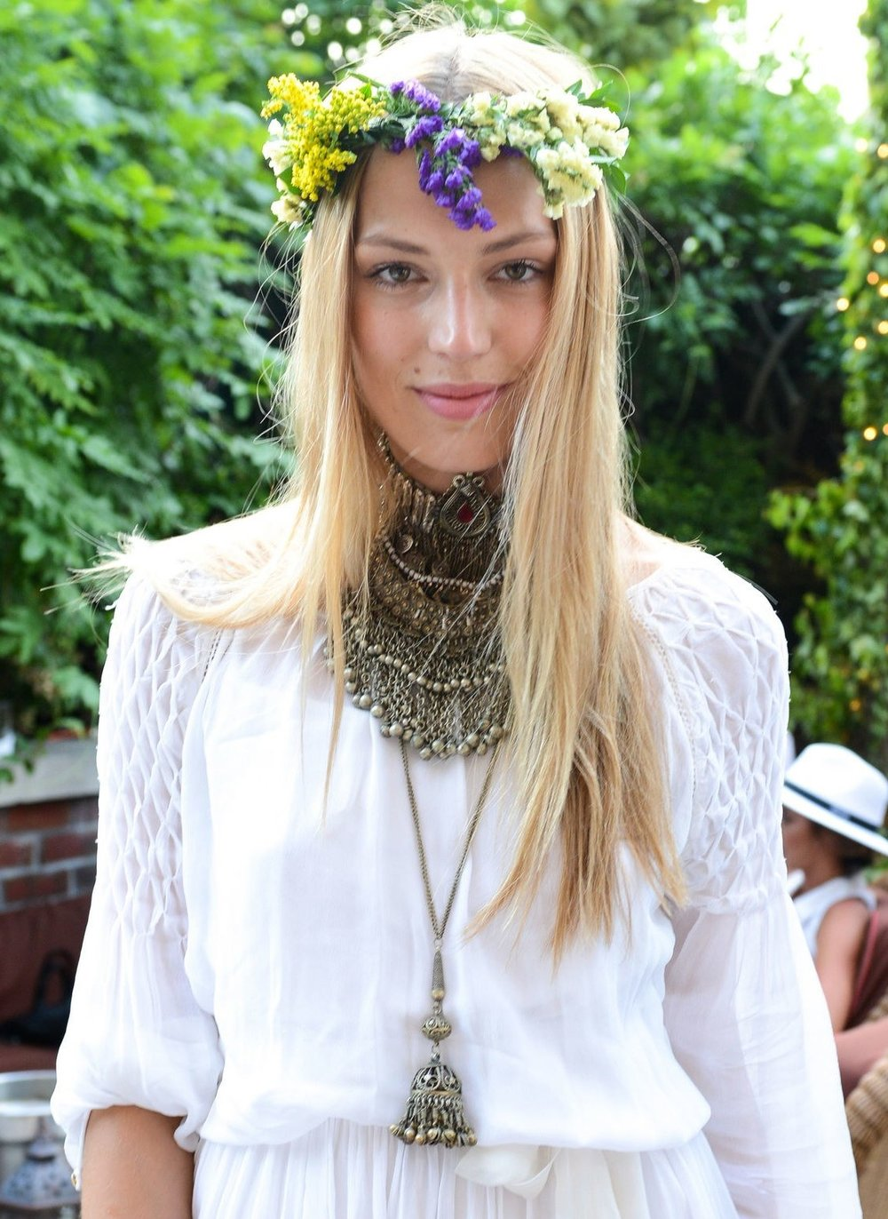 flowers-how-to-style-hair-accessories-headbands-hairstyles-ways-to-wear-crown-boho.jpg