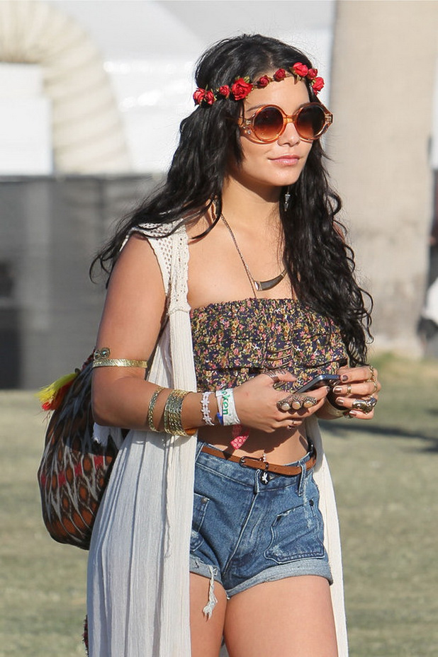 flowers-how-to-style-hair-accessories-headbands-hairstyles-ways-to-wear-floral-vanessahudgens-red-boho-coachella.jpg