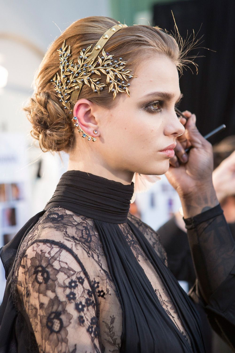 ornate-how-to-style-hair-accessories-headbands-hairstyles-ways-to-wear-gold-bun-runway-fall-winter.jpg