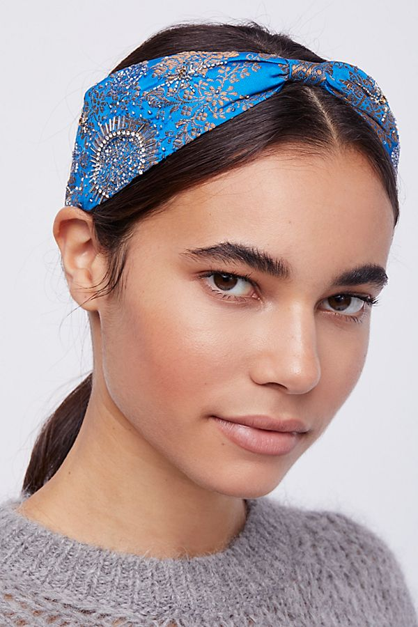 turban-how-to-style-hair-accessories-headbands-hairstyles-ways-to-wear-blue-ponytail.jpg