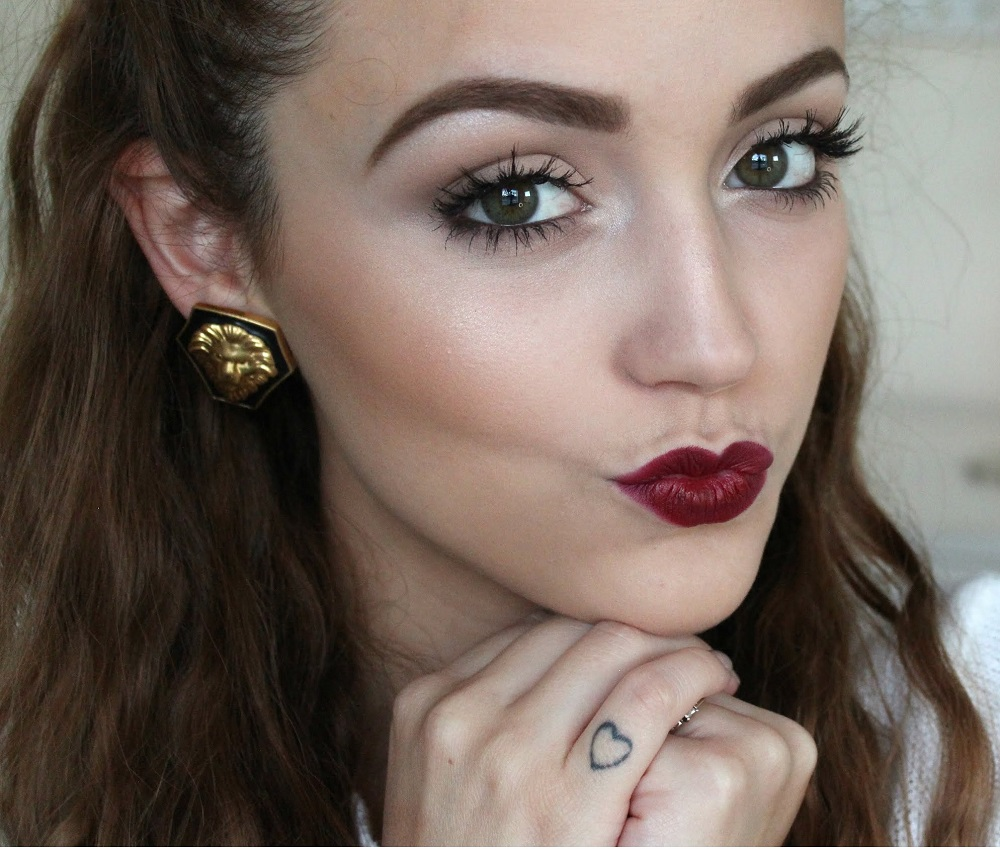 makeup-for-thanksgiving-fall-autumn-warm-colors-berry-lips-eyebrows-nuetral.jpg