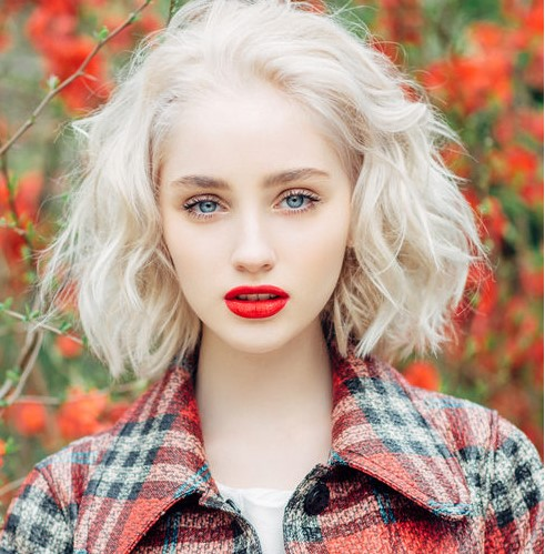 makeup-for-thanksgiving-fall-autumn-warm-colors-red-lips-simple.jpg