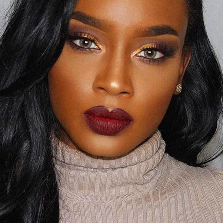 makeup-for-thanksgiving-fall-autumn-warm-colors-warm-burgundy-lips-turtleneck.jpg