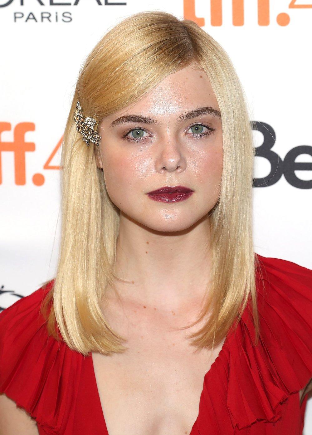 side-how-to-style-hair-accessories-clip-barrettes-wear-blonde-ellefanning.jpg