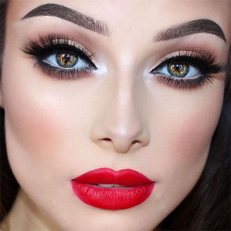 makeup-style-what-to-wear-christmas-day-dinner-holiday-outfits-winter-eyeliner-black-red-lips.jpg