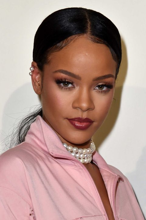 makeup-style-what-to-wear-christmas-day-dinner-holiday-outfits-winter-rihanna-pink-monochromatic.jpg