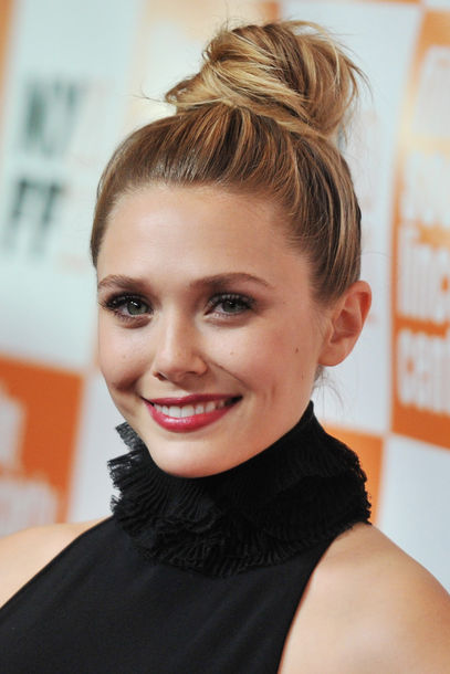hair-styles-what-to-wear-christmas-day-dinner-holiday-outfits-winter-elizabetholsen-bun-topknot-blonde.jpg