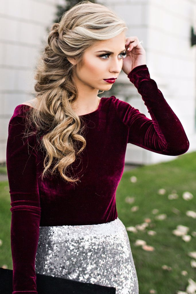 hair-styles-what-to-wear-christmas-day-dinner-holiday-outfits-winter-side-braid-blonde.jpg