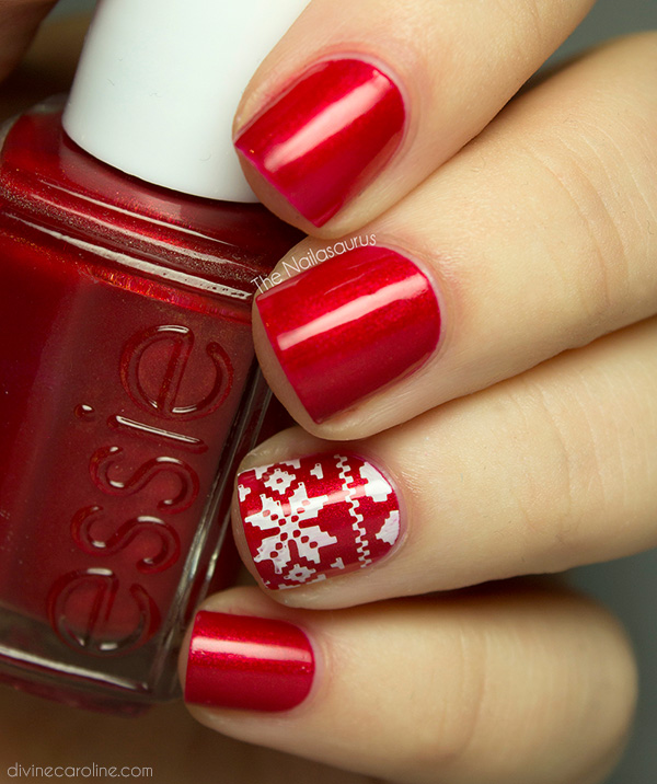 nail-polish-style-what-to-wear-christmas-day-dinner-holiday-outfits-winter-red.jpg