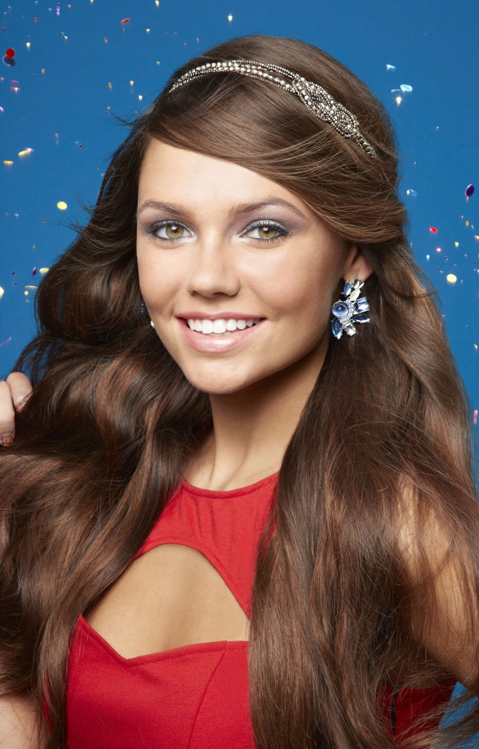 hair-ideas-style-what-to-wear-newyearseve-nye-holiday-outfits-winter-headband-earrings.jpg