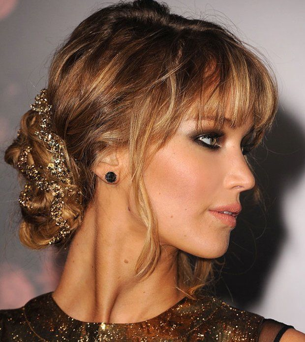 hair-ideas-style-what-to-wear-newyearseve-nye-holiday-outfits-winter-updo-bun-gold-bangs-jenniferlawrence.jpg