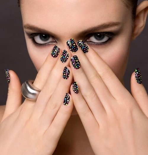 nail-polish-ideas-style-what-to-wear-newyearseve-nye-holiday-outfits-winter-black-print-dots.jpg