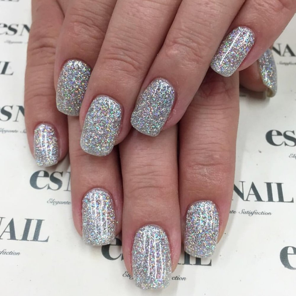 nail-polish-ideas-style-what-to-wear-newyearseve-nye-holiday-outfits-winter-sparkly-silver.jpeg