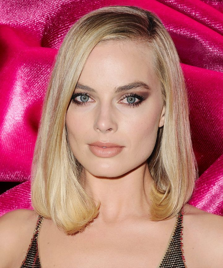 makeup-ideas-style-what-to-wear-newyearseve-nye-holiday-outfits-winter-eyeshadow-margotrobbie.jpg