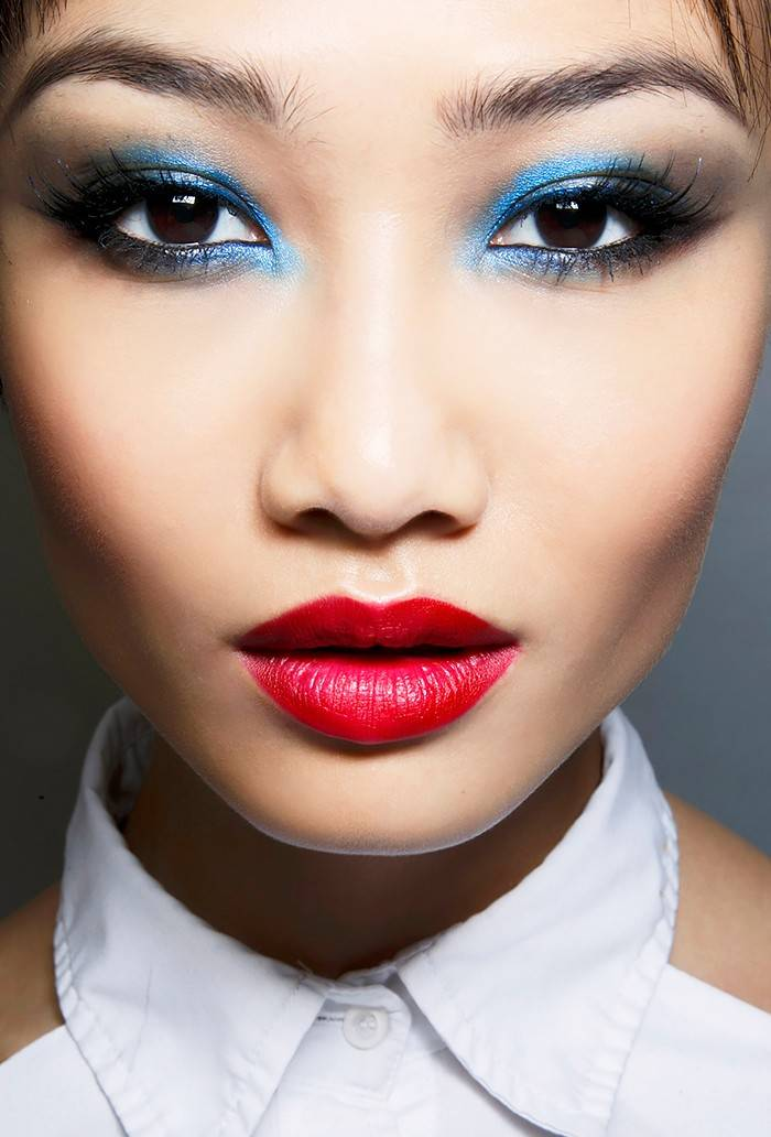 makeup-ideas-style-what-to-wear-newyearseve-nye-holiday-outfits-winter-party-blue-eyeshadow-red-lips.jpg