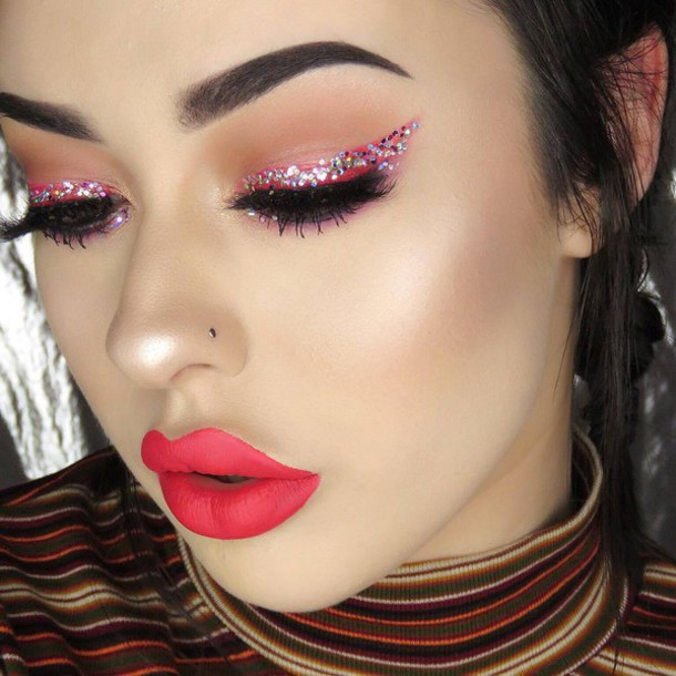 makeup-ideas-style-what-to-wear-newyearseve-nye-holiday-outfits-winter-pink-glitter-graphic-eyeshadow.jpg