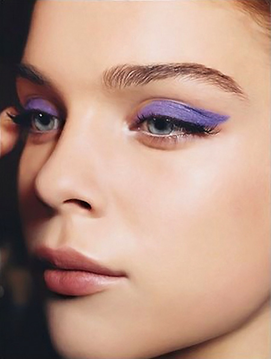 makeup-ideas-style-what-to-wear-newyearseve-nye-holiday-outfits-winter-purple-eyeshadow.jpg